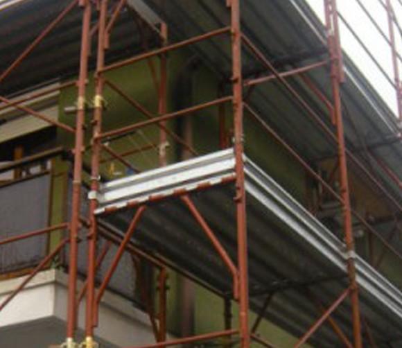 Ponteggio per rifacimento tetto, Villafranca di Verona